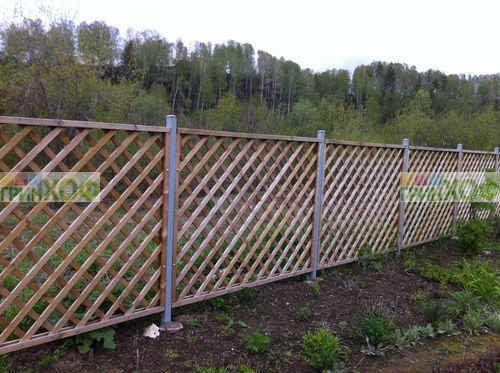 Деревянный забор из решетки